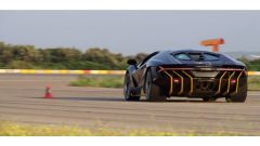 Lamborghini Centenario: carrozzeria in fibra di carbonio e un V12 da 770 cv