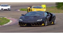 Lamborghini Centenario sfila scortata dalle sorelle