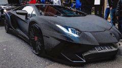 La modella che ha riempito la sua Lamborghini di Swarovski - Immagine: 3