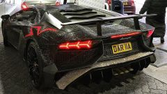 La modella che ha riempito la sua Lamborghini di Swarovski - Immagine: 4
