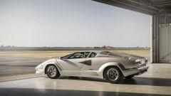 Lamborghini Countach 25th Anniversary, vista laterale