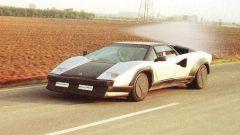 Lamborghini Countach Evoluzione: l'auto laboratorio durante le prove su strada