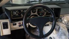 Lamborghini Countach: la plancia e il volante