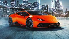 Lamborghini Huracan EVO 2021 con uno dei colori della Fluo Capsule