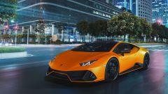 Lamborghini Huracan EVO Fluo Capsule, gli interni hanno tocchi di colore in accordo con la carrozzeria