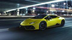 Lamborghini Huracan EVO Fluo Capsule, si notino i profili delle minigonne