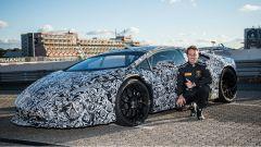 Lamborghini Huracan Performante e il pilota del record Marco Mapelli