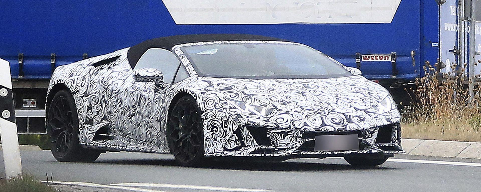 Lamborghini Huracàn Spyder: le prime foto spia del facelift