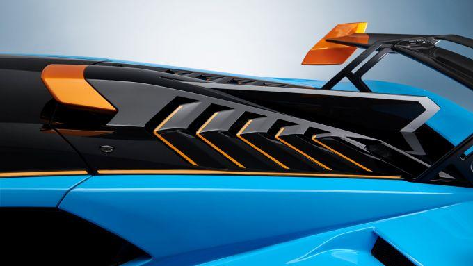 Lamborghini Huracan STO: particolare del cofano posteriore