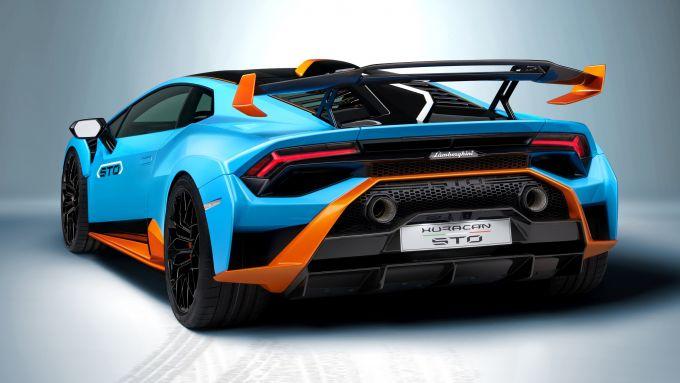 Lamborghini Huracan STO: visuale di 3/4 posteriore