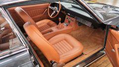 Lamborghini Islero: l'abitacolo con rivestimenti dei sedili in pelle