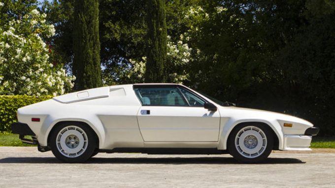 Lamborghini Jalpa: aveva parti della carrozzeria in plastica