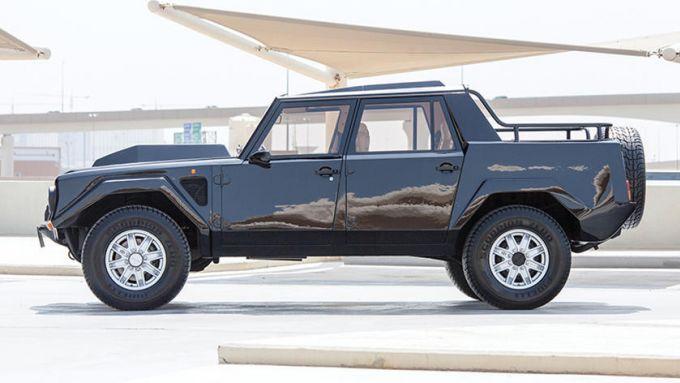 Lamborghini LM 002: un fuoristrada con motore V12 Countach