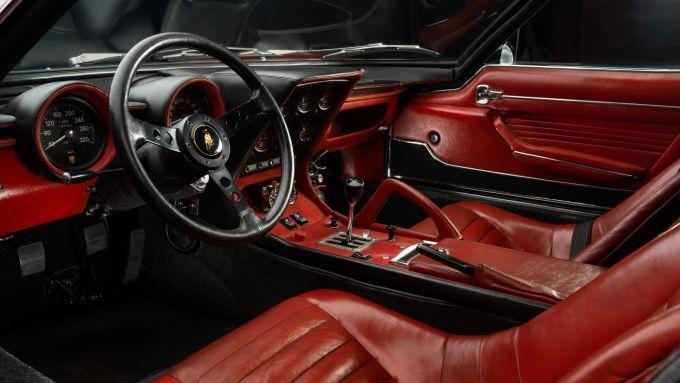 Lamborghini Miura SVJ: interni