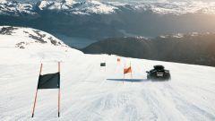 Lamborghini Murcielago: uno slalom più che speciale in mezzo al ghiacciaio