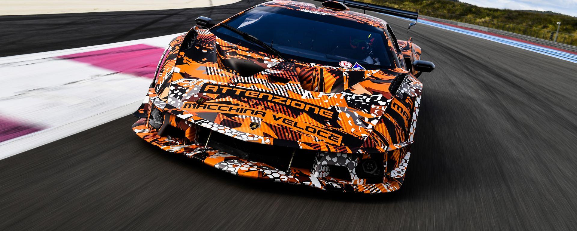 Lamborghini SCV12: ATTENZIONE MACCHINA VELOCE