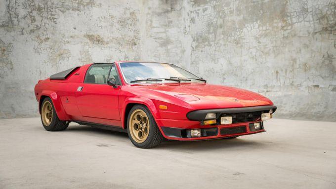 Lamborghini Silhouette: troppo somigliante alla Ferrari