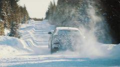 Lamborghini Urus: dopo sabbia e deserto, ecco la neve - Immagine: 1
