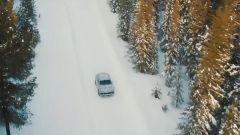Lamborghini Urus: dopo sabbia e deserto, ecco la neve - Immagine: 4