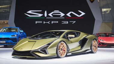 Lamborghini Urus elettrica: la Sian, supercar con motore elettrificato