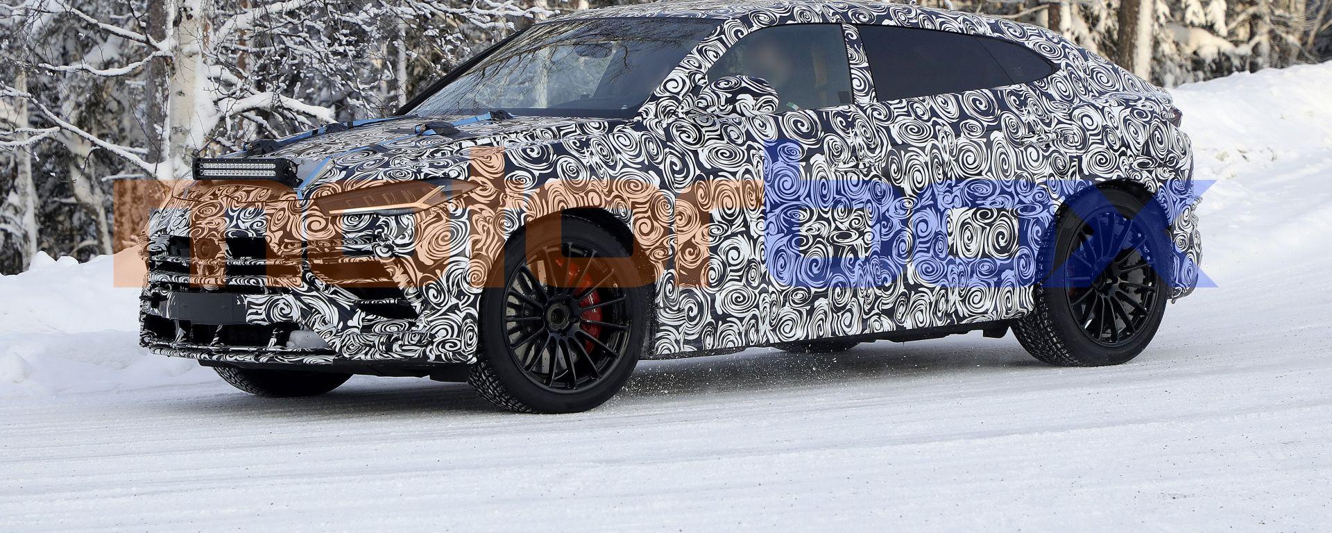 Lamborghini Urus EVO (2022), prime foto spia