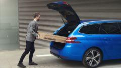 L'ampio bagagliaio della Peugeot 308 Station Wagon 2021