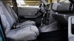Lancia Delta HF Integrale Evoluzione, i sedili anteriori
