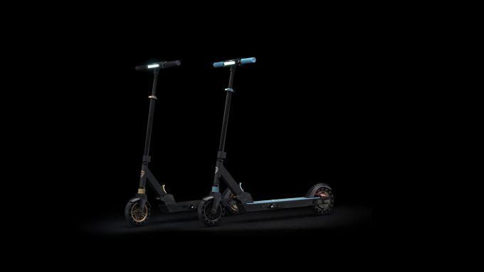 Lancia Ypsilon e-scooter: 18 km di autonomia