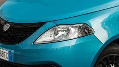 Lancia Ypsilon Ecochic 1.0 Hybrid Maryne, il gruppo ottico anteriore