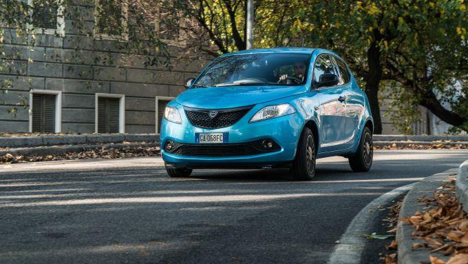 Lancia Ypsilon Ecochic 1.0 Hybrid Maryne, la prova su strada