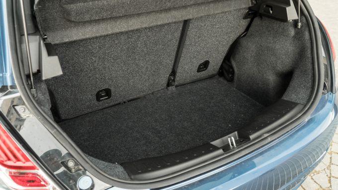 Lancia Ypsilon Hybrid Ecochic 2021: piccolo ma ben sfruttabile il bagagliaio