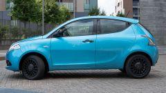 Lancia Ypsilon Hybrid Ecochic Maryne 2020, vista di profilo