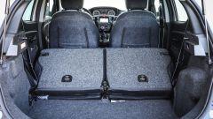Lancia Ypsilon Mya bagagliaio con sedili posteriori reclinati