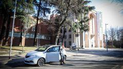 Lancia Ypsilon Mya davanti alla Triennale di Milano