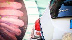 Lancia Ypsilon Mya posteriore con murales