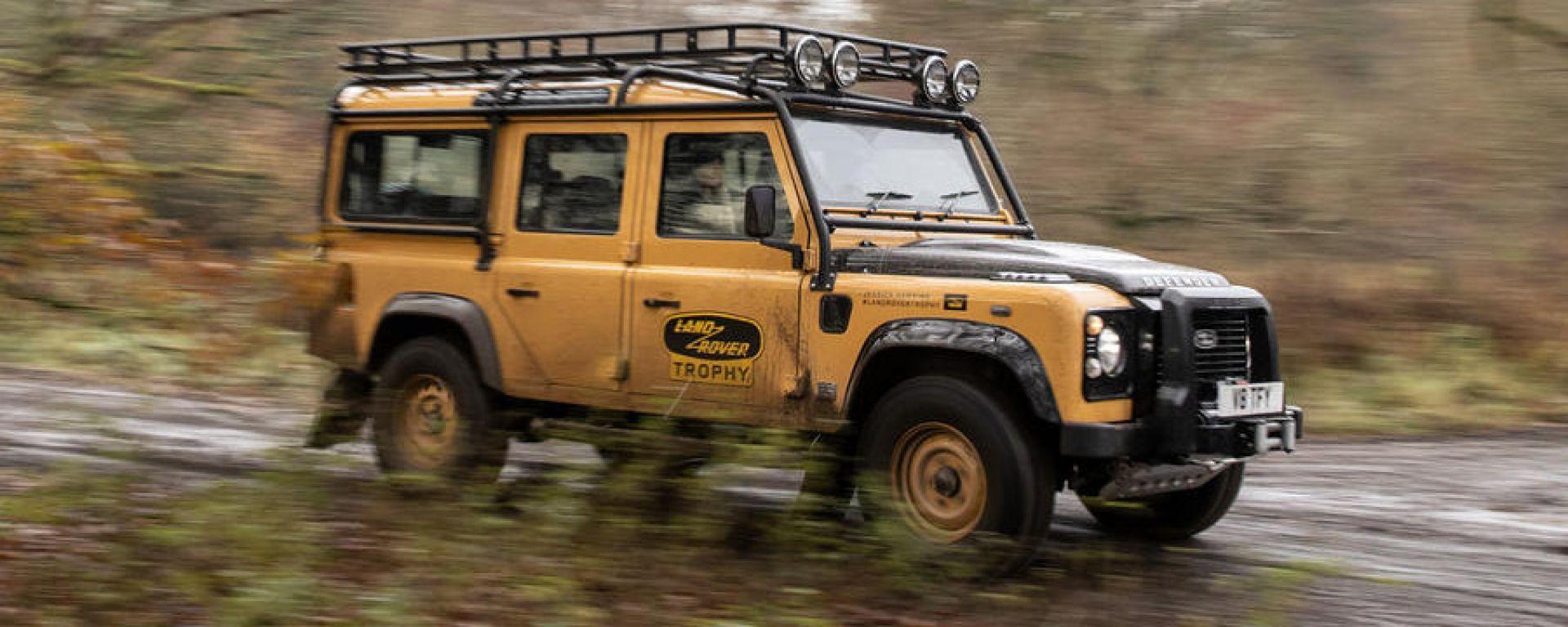 Land Rover Classic: Defender V8 che omaggia il Camel Trophy
