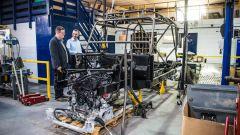Land Rover Defender 110 by Bowler: una fase della preparazione dell'auto