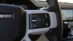 Land Rover Defender 110, dettaglio del volante