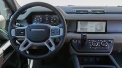 Land Rover Defender 110, gli interni