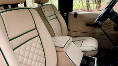 Land Rover Defender 110: i sedili anteriori