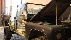 Land Rover Defender 110: il fuoristrada in fase di restauro
