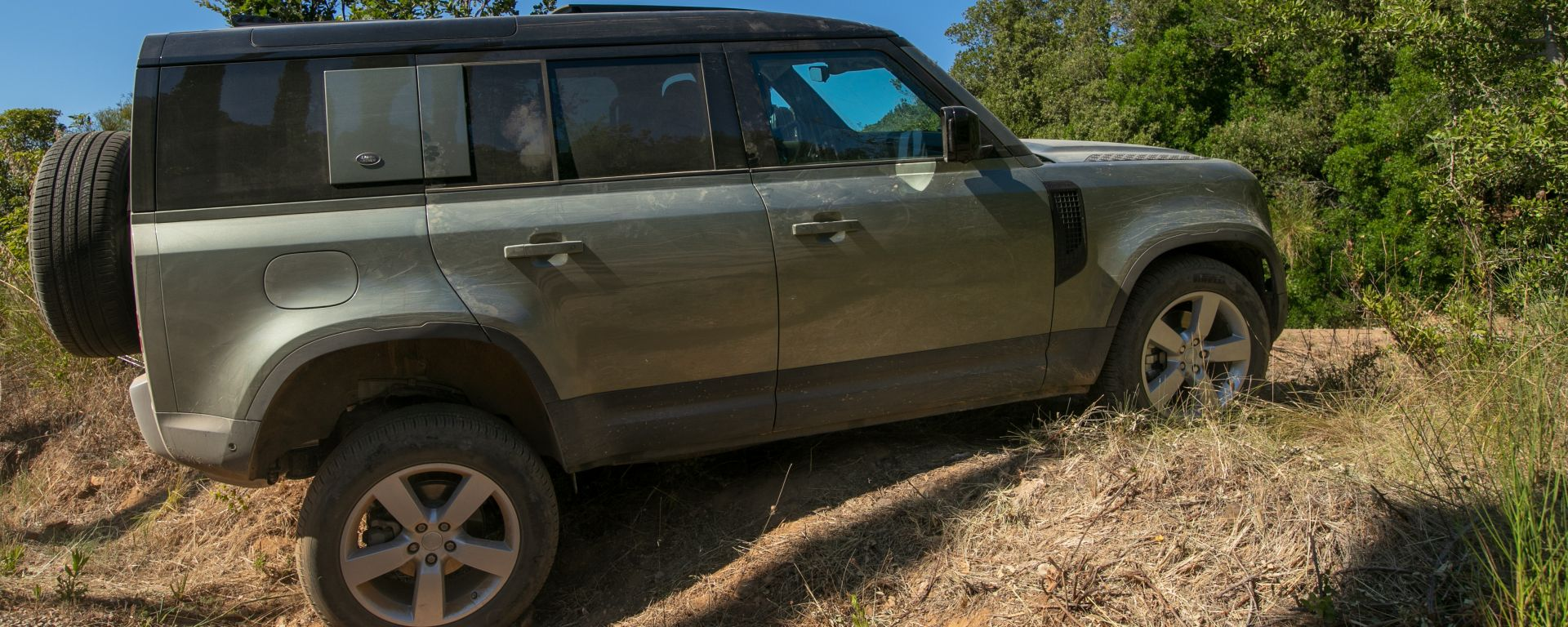 Land Rover Defender 110 in off-road