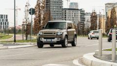 Land Rover Defender 110 P400 First Edition: prezzi da 85.200 euro