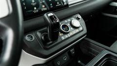 Land Rover Defender 110 P400: da fuoristrada a SUV, ma è sempre lei - Immagine: 15