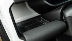 Land Rover Defender 110 P400: da fuoristrada a SUV, ma è sempre lei - Immagine: 22