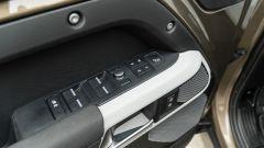 Land Rover Defender 110 P400: da fuoristrada a SUV, ma è sempre lei - Immagine: 23