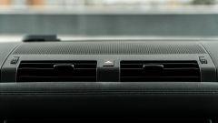 Land Rover Defender 110 P400: da fuoristrada a SUV, ma è sempre lei - Immagine: 26