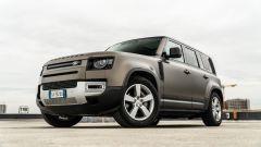 Land Rover Defender 110 P400: da fuoristrada a SUV, ma è sempre lei - Immagine: 29