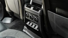 Land Rover Defender 110 P400: da fuoristrada a SUV, ma è sempre lei - Immagine: 31