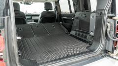 Land Rover Defender 110 P400: da fuoristrada a SUV, ma è sempre lei - Immagine: 34